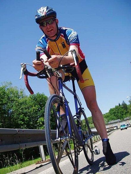 Cyklista Michal Ryglewicz.