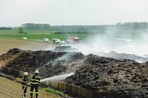 Požár hnojiště v Sylvárově Újezdu.