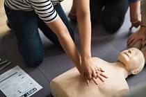 Zjistěte, jak správně poskytnout první pomoc.
