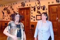 Z návštěvy Ivany Zemanové v dětenickém zámku.