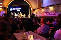 Hořické JazzNights  s krásnou atmosférou v sále.