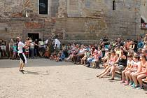 Lucemburské slavnosti na hradu Kost.