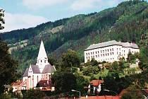 Zámek Schwarzenbergů v rakouském Murau.