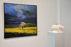 Do neděle 17. června zde můžete obdivovat díla malíře Alexandra Onishenka, sochaře Ruslana Vysokikha. Nechybí ani autoři porcelánových plastik Anya Stasenko a Slava Leontyev.