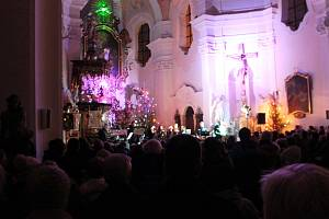 Výtěžek ze čtyř tradičních Vánočních chrámových koncertů skladatele Miroslava Vobořila tentokrát putuje speciální třídě Sluníčko při Mateřské škole Husova v Hořicích.