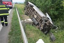 Střet dvou automobilů u Lužan.