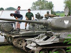 Z natáčení filmu v Sobotce Operace Dunaj.