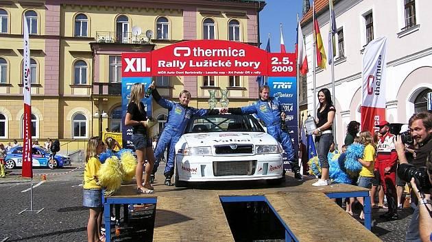 Jan Štěpánek a Marek Omelka vyhráli rychlostní zkoušky.