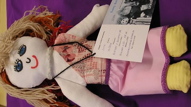 Panenky jsou prodávány po 600 korunách.