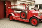 Historické vozidlo novopackých hasičů.