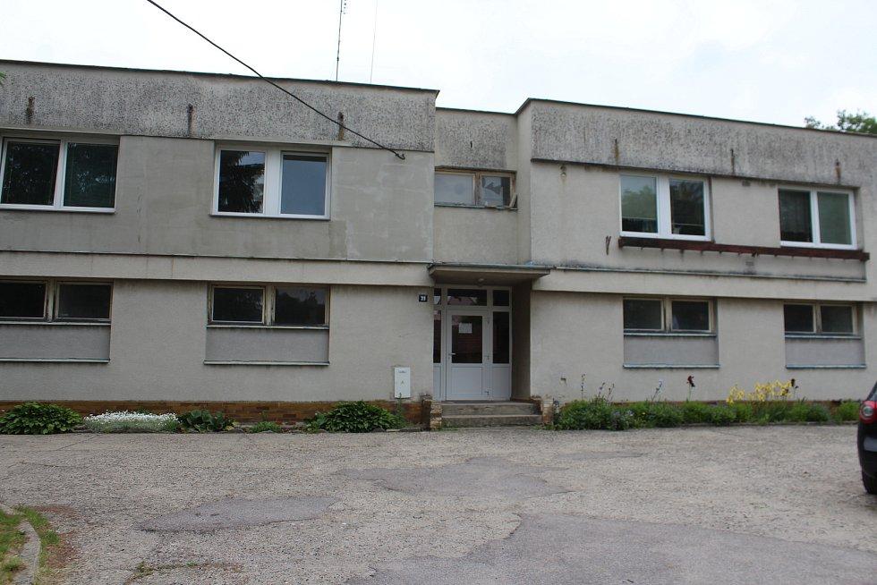 Obec Střevač a dům, kde došlo k vraždě novorozence.