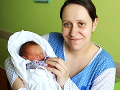 MARKÉTA BUREŠOVÁ se usmívá na svět od 5. dubna, kdy se  narodila s porodní mírou 44 cm a váhou 2,32 kg. Radost z miminka mají rodiče Štěpánka a Vratislav Burešovi. Doma v Nové Pace na sestřičku čekala dvouletá Anežka.