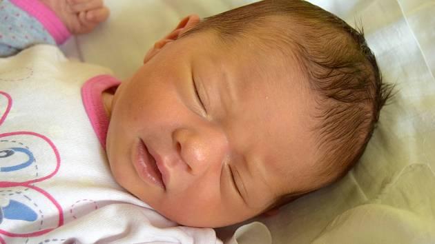 Anna Matějčíková se narodila 11. května s váhou 3,80 kg a mírou 50cm. Radost z miminka mají rodiče Natalie a Martin Matějčíkovi z Branžeže.