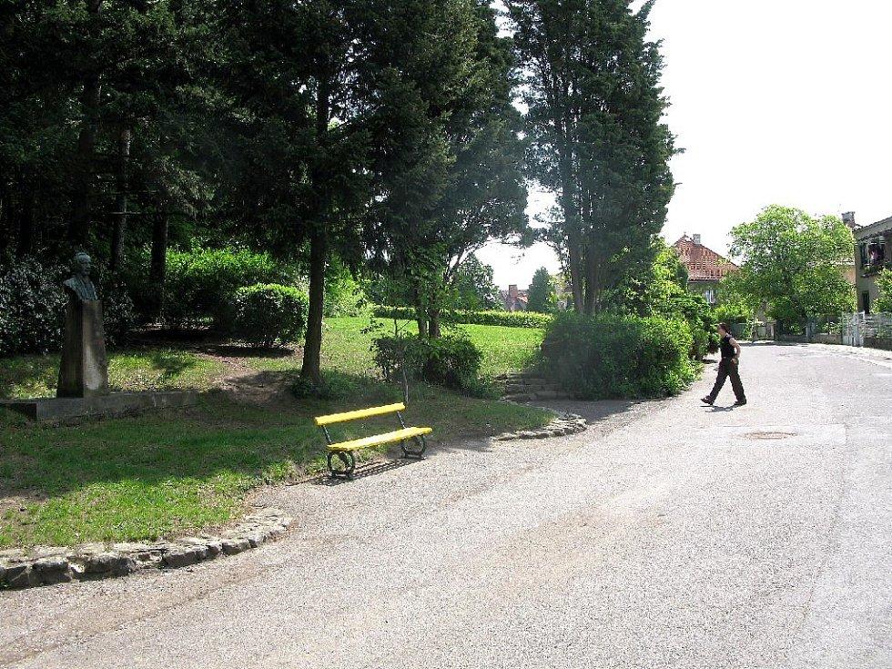 Lesopark v Jičíně na Čeřovce.