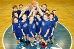 Jičínské basketbalové minižákyně při Národním finále.