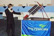 Z národního kola soutěže Enersol 2011: Vojtěch Zíval při prezentaci.