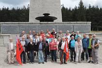 Z exkurze v bývalém koncentračním táboře Gross-Rosen.