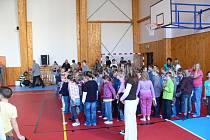 V jičínské 1. ZŠ byla 1. září otevřena nová tělocvična.