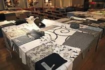 Výstava látek českých výrobců bude možná časem minulostí. oděvní textilky vytrvale ničí dovoz levných látek především z asijských zemí.