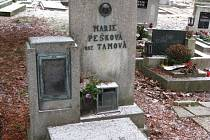 Hrob Marie Peškové.