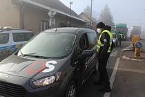 Policejní hlídka v Horkách u Staré Paky