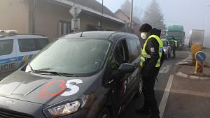Policejní kontroly probíhají i v Horkách u Staré Paky