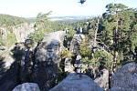 Procházka Prachovskými skalami, SOS body, nový heliport, modrá stezka pro kočárky