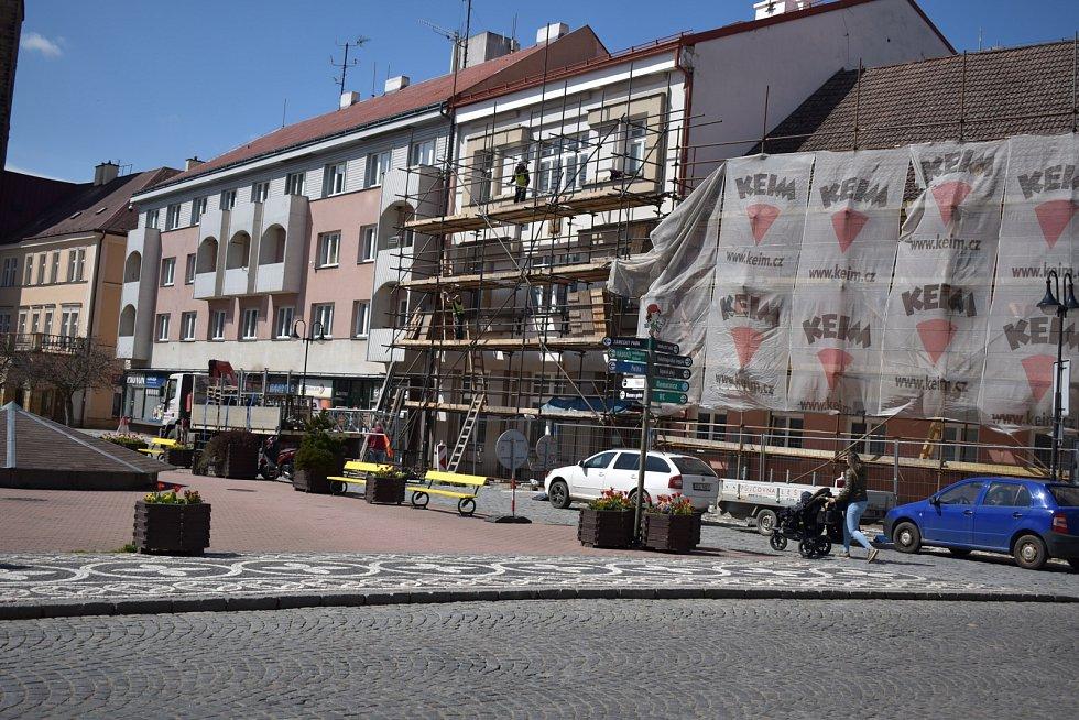 Jičínská radnice na Žižkově náměstí prochází opravou.