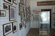 V domě č. 12 na peckovském náměstí otevírá legionářské muzeum, v pořadí třetí v republice.