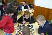 Z Velké ceny Královéhradeckého kraje v šachu mládeže.