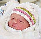 ANNA PETRUSOVÁ se na svět usmívá od 5. září, kdy se narodila  s porodní mírou 51 cm a váhou 3, 23 kg. Dělá radost mamince Anně Petrusové a tatínkovi Tomášovi Veselému. Rodina žije v Blatech.