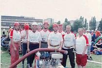 Mužstvo tuřských hasičů.