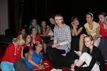 Soutěžící Dívky roku 2010 s Janou Plodkovou.