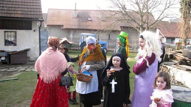 Masopustní veselí v Ostružně.