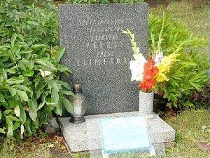 Pomníček obětem srpna 1968 v Jičíně.
