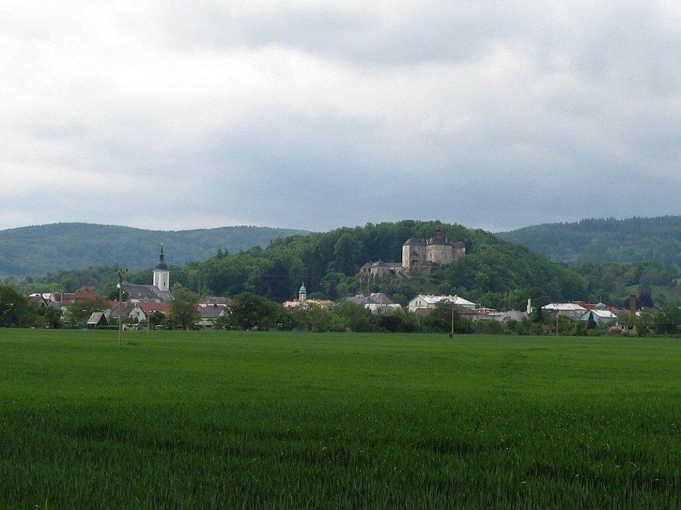 Městečko Javorníik, od vesničky Bílý Potok.