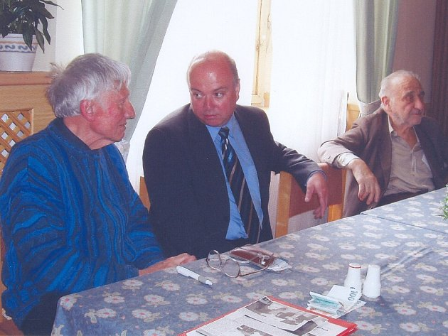 Jičíňáci žijící v Praze se zajímali o aktuální dění v jejich rodném městě.