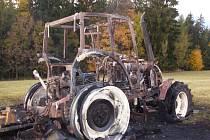 Při mulčování shořel traktor.