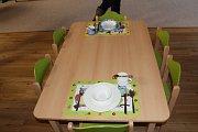 Nová školka v Chomuticích za 12 milionů vyrostla během pěti měsíců. V pondělí se do ní nastěhovaly děti.