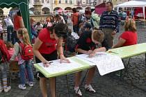 Aktivity v rámci pohádkového festivalu na Valdštejnově náměstí.