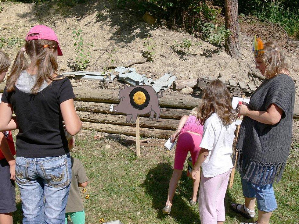 Srandiáda Klokánku 2009 v areálu ostroměřské střelnice.