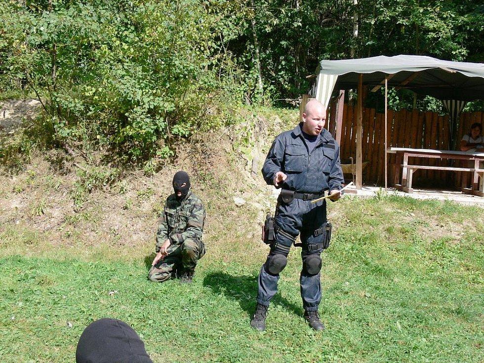 Ukázka výcviku policistů.
