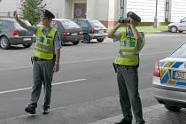 Jičínští policisté při dopravní akci.