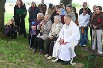 Z oslav ve Studeňanech spojené se svěcením kapličky.