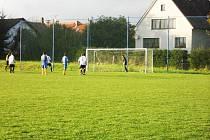 Ze sousedského derby Robousy - Lužany.