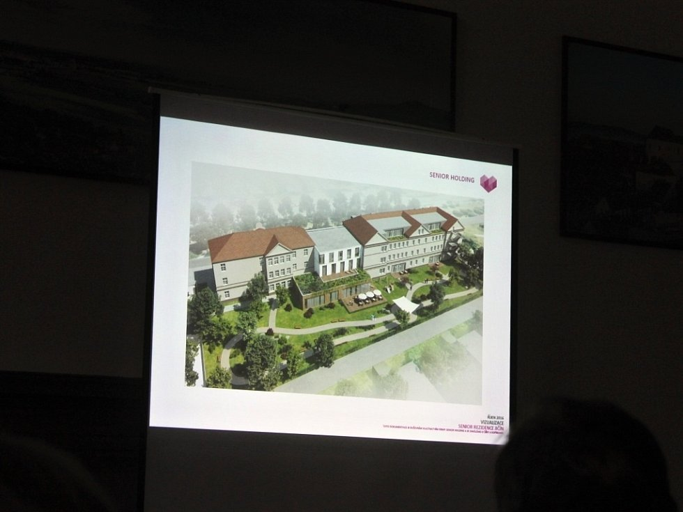 Firma Senior Holding hodlá vybudovat v areálu po kasárnách v Jičíně zařízení pro seniory.
