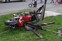 Následky havárie v Bezděkově.