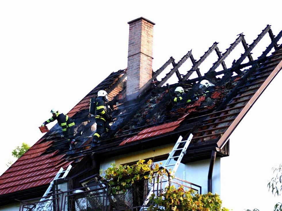 Požár rodinného domu v Chyjicích.