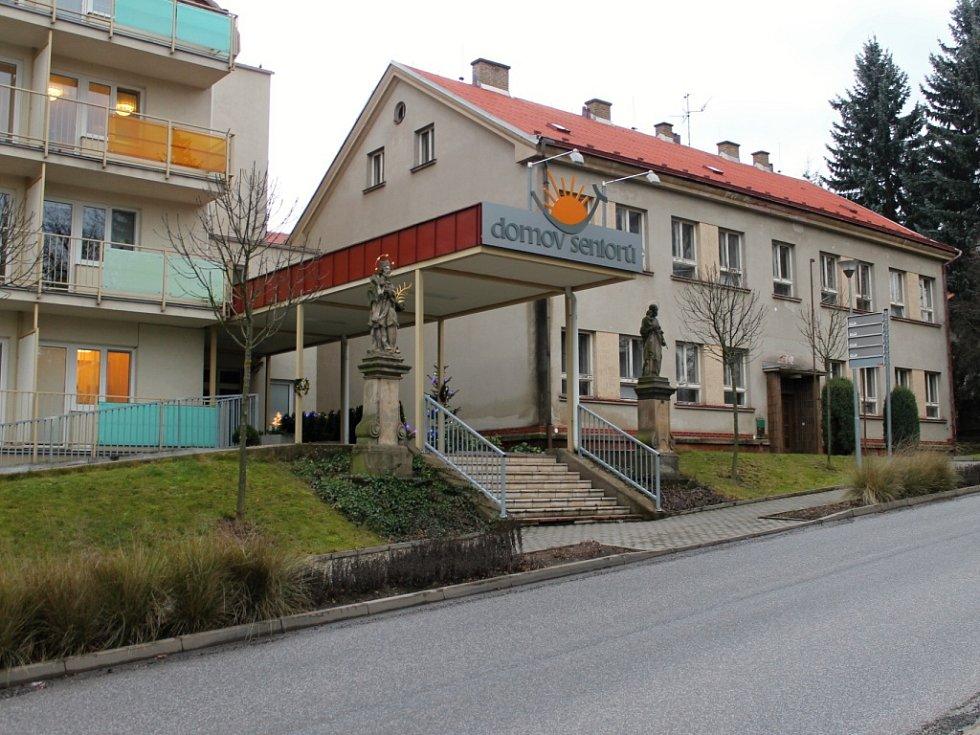 Novopacký Domov seniorů.