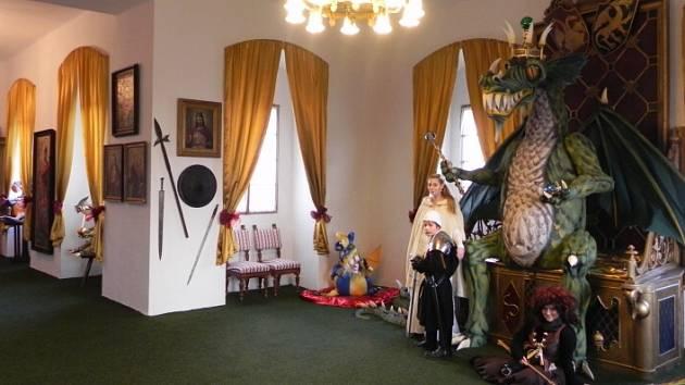 Čarodějná dračí královská komnata v zámku Staré Hrady.